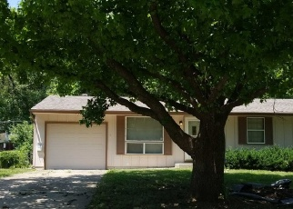 Foreclosed Home en N VIKING DR, Independence, MO - 64058