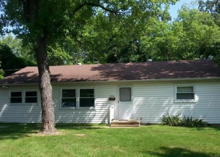 Foreclosed Home en W KELLEY ST, De Soto, MO - 63020