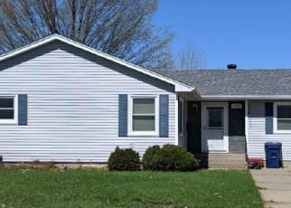 Foreclosed Home en W MONROE ST, Lake City, MN - 55041