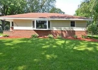Foreclosed Home en MCKINLEY ST NE, Minneapolis, MN - 55432