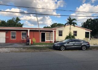 Foreclosed Home en NW 129TH ST, Miami, FL - 33168