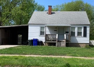 Foreclosed Home in N UNIVERSITY AVE, Decatur, IL - 62522