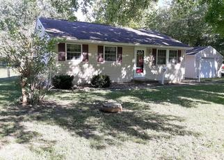 Foreclosed Home in S COMMONWEALTH ST, Decatur, IL - 62521