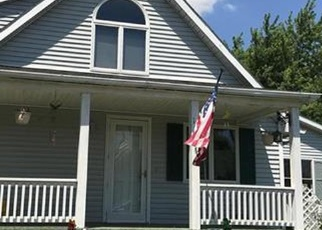 Foreclosed Home in S CHAMPAIGN AVE, Vandalia, IL - 62471