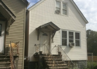 Foreclosed Home en S CARPENTER ST, Chicago, IL - 60609