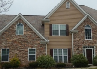 Foreclosed Home en RISING FAWN DR, Douglasville, GA - 30135