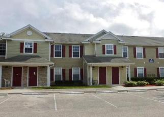 Foreclosed Home in PLEASANT BAY LN, Naples, FL - 34119