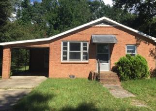 Foreclosed Home en MAPLE ST, Saint Stephen, SC - 29479