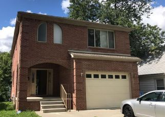 Foreclosed Home en N BEECH DALY RD, Dearborn Heights, MI - 48127