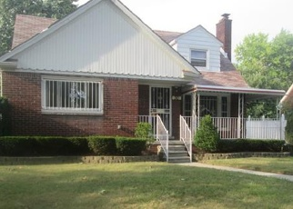 Foreclosed Home en W GRIXDALE, Highland Park, MI - 48203