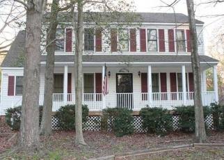 Foreclosed Home en CASTLE GLEN TER, Richmond, VA - 23236
