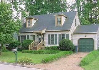 Foreclosed Home en BANKS LN, Newport News, VA - 23608
