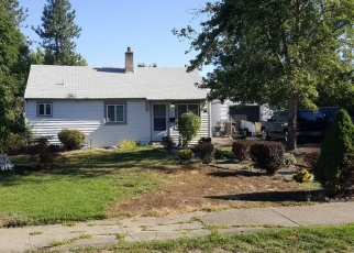 Foreclosed Home en W CROWN AVE, Spokane, WA - 99205