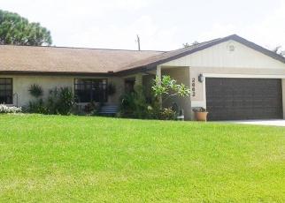 Foreclosed Home en SE BREVARD AVE, Port Saint Lucie, FL - 34952