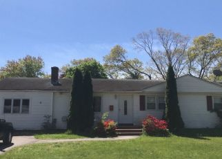 Foreclosed Home in BROOKSIDE DR, North Kingstown, RI - 02852