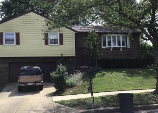 Foreclosed Home en WHITEHOLM DR, Upper Marlboro, MD - 20774