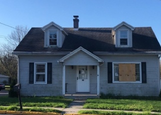 Foreclosed Home en W MARKET ST, Jonestown, PA - 17038