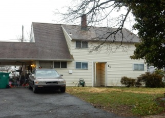 Foreclosed Home en WOODBINE RD, Levittown, PA - 19057