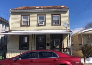 Foreclosed Home en N CRESCENT ST, Tremont, PA - 17981