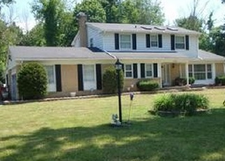 Foreclosed Home en FRIAR LN, Southfield, MI - 48033