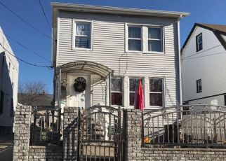 Foreclosed Home en 121ST ST, South Ozone Park, NY - 11420