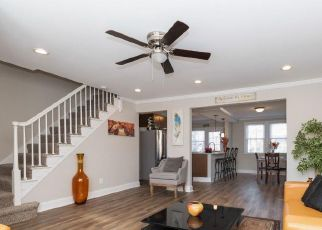 Foreclosed Home en E 36TH ST, Baltimore, MD - 21218