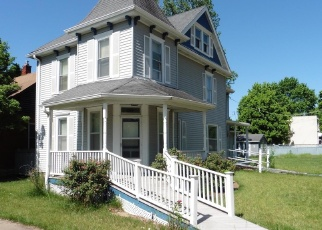 Foreclosed Home en S 2ND ST, De Soto, MO - 63020