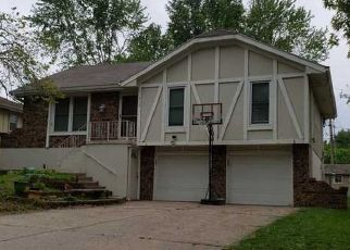 Foreclosed Home en NW 87TH TER, Kansas City, MO - 64155