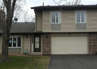 Foreclosed Home en KINGSVIEW LN N, Osseo, MN - 55369