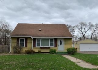 Foreclosed Home en SKILLMAN AVE E, Saint Paul, MN - 55109