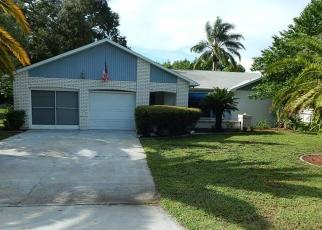 Foreclosed Home en CAMPHOR DR, Spring Hill, FL - 34606