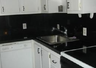 Foreclosed Home en N COUNTRY CLUB DR, Miami, FL - 33180