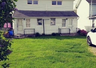 Foreclosed Home en SHOEMAKER AVE, Wyoming, PA - 18644