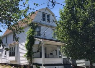 Foreclosed Home en ROSS ST, Kingston, PA - 18704