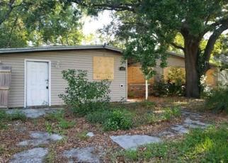 Foreclosed Home en TOM THUMB DR, Jacksonville, FL - 32210
