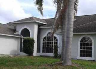 Foreclosed Home en STARBOARD ST, Sebastian, FL - 32958