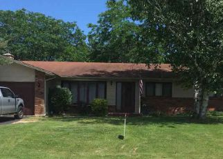 Foreclosed Home in WOODLAND DR, Dixon, IL - 61021