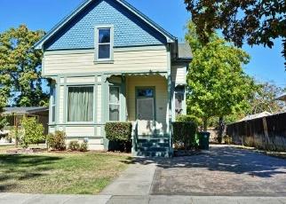 Foreclosed Home en E HAWTHORNE AVE, Stockton, CA - 95204