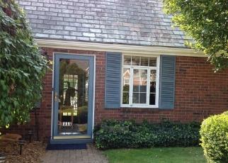 Foreclosed Home en WARREN AVE, New Kensington, PA - 15068