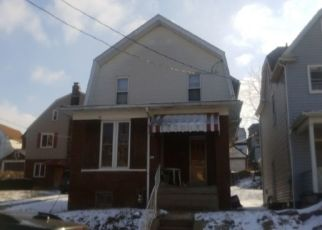 Foreclosed Home en WOODMONT AVE, New Kensington, PA - 15068