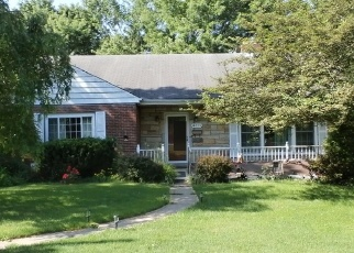 Foreclosed Home en HOBAUGH AVE, Murrysville, PA - 15668