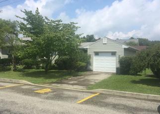 Foreclosed Home en CHESTNUT ST, Ligonier, PA - 15658
