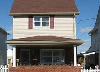 Foreclosed Home en W SMITHFIELD ST, Mount Pleasant, PA - 15666