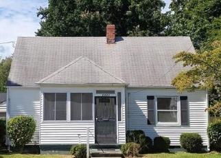 Foreclosed Home en TIDEWATER DR, Norfolk, VA - 23503