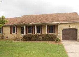 Foreclosed Home en ROBS DR, Suffolk, VA - 23434
