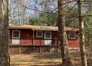 Foreclosed Home en TAN OAK CT, Milford, PA - 18337