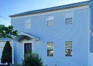 Casa en ejecución hipotecaria in Central Islip, NY, 11722,  APPLEGATE DR ID: P1311507