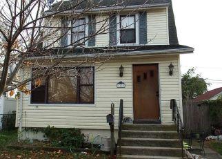 Foreclosed Home en WINCHESTER DR, Lindenhurst, NY - 11757