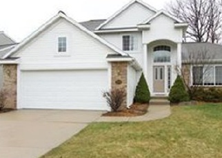 Foreclosed Home en W GROVE DR SE, Grand Rapids, MI - 49512