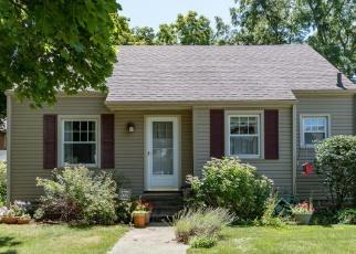 Foreclosed Home en COMMONWEALTH AVE, Kalamazoo, MI - 49006